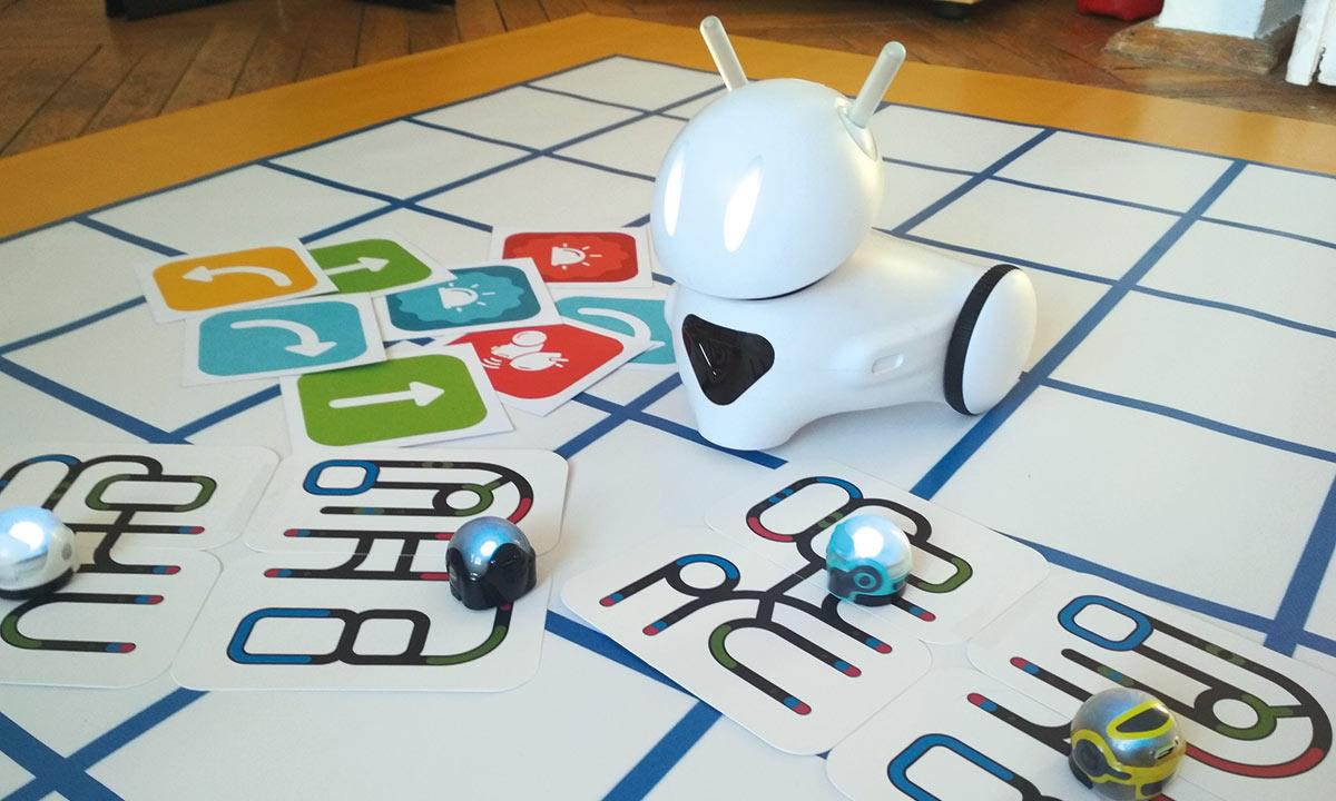 Uwaga! Robot w Bibliotece!