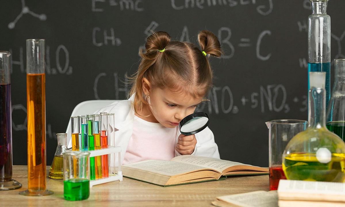 8 lektur z nauką za pan brat Przegląd książek popularnonaukowych dla dzieci i młodzieży