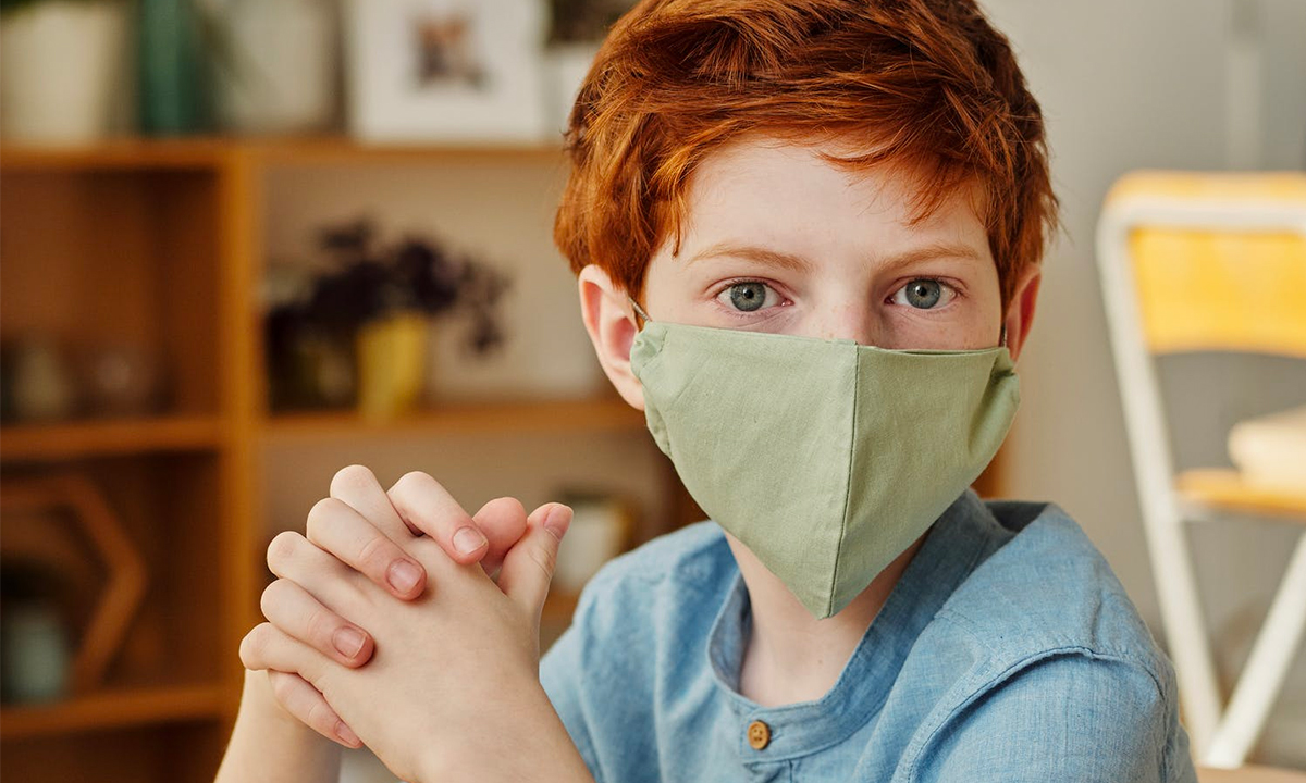 Poradnik MEN na temat pracy szkół w warunkach pandemii